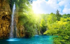 clear-water-waterfall-1832