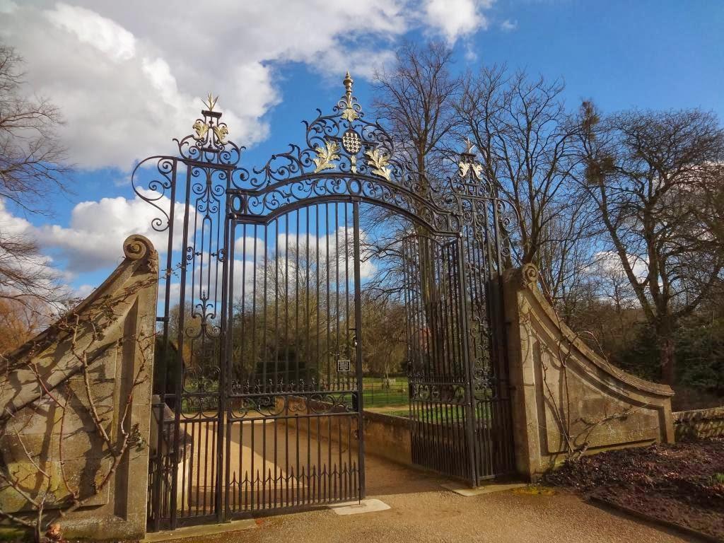 Magdalen College gates