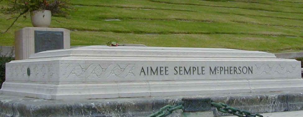 Aimee_Semple_McPherson (1)