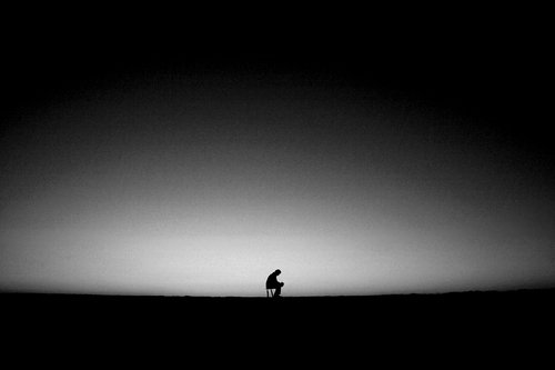 dark-thinking-loneliness-alone-broken1