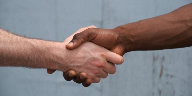 13670-handshake_racial_reconciliation.630w.tn