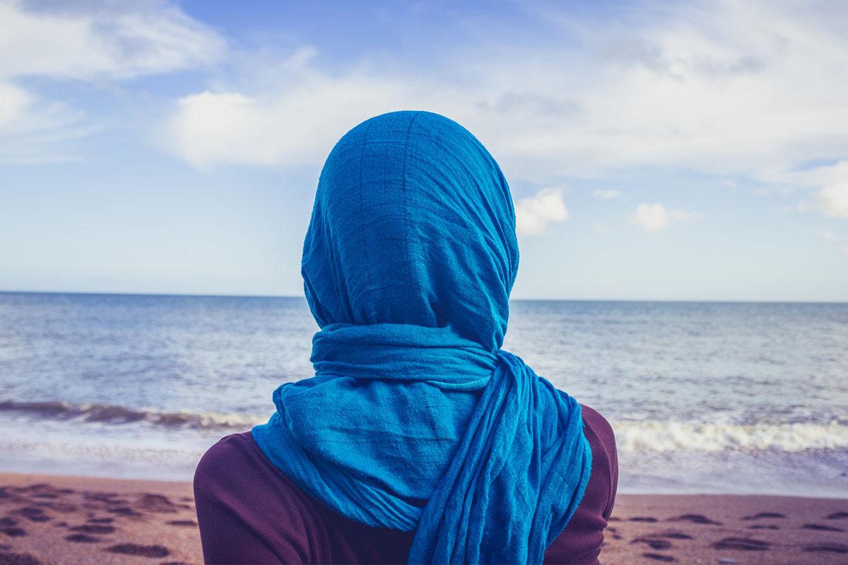 How A Secular Woman Is Seduced By the Islamic Head Scarf